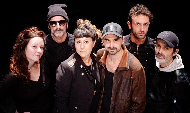 Groupe de musique La cafetera roja